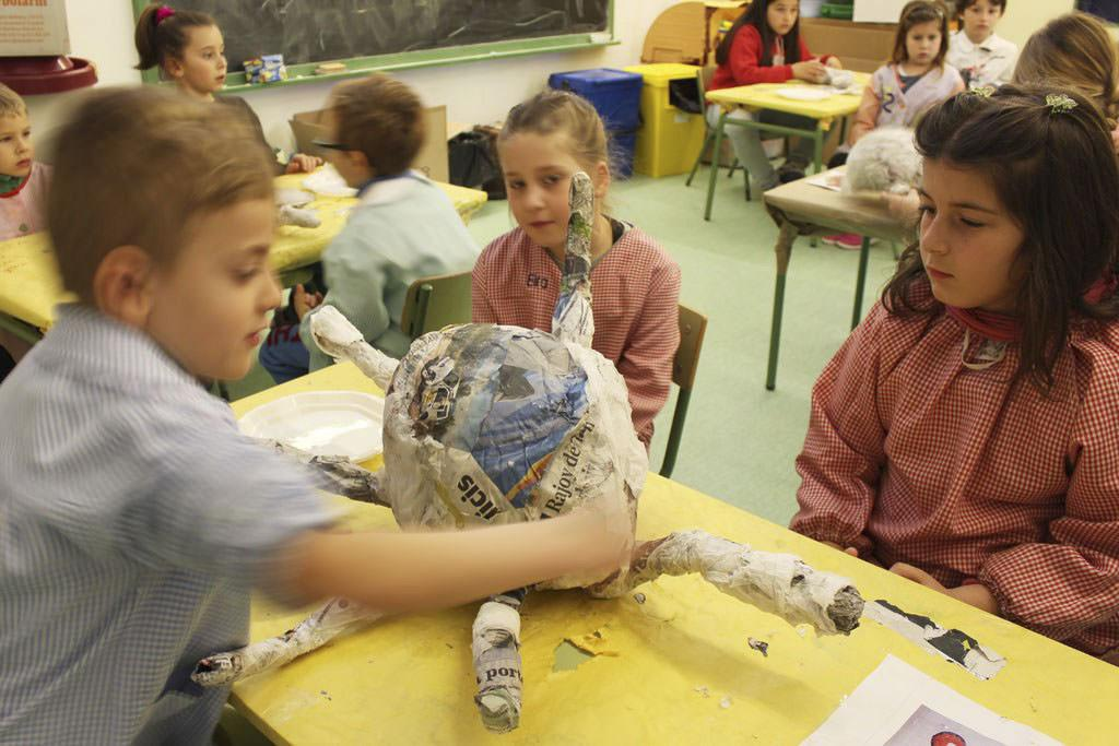 AE04 Escola Miquel Marti Pol Llica 01