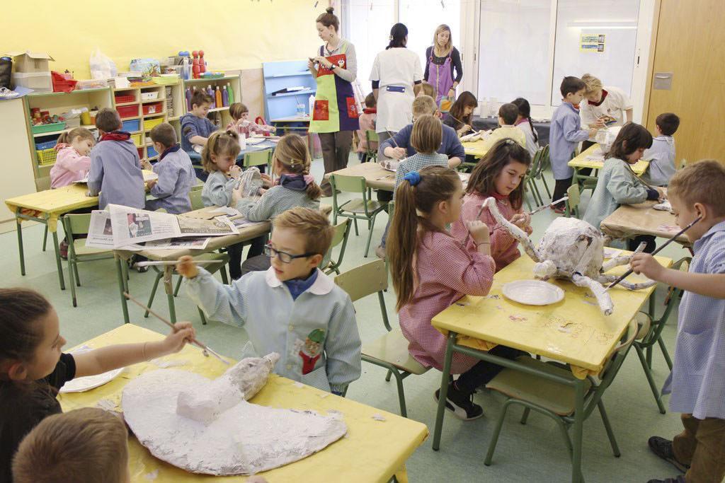 AE04 Escola Miquel Marti Pol Llica 04